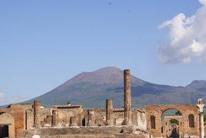 Pompeji a Vezúv árnyékában